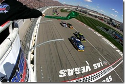 2010 Las Vegas NSCS green flag kurt leads