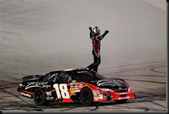 2010 Bristol Aug NNS Kyle Busch salutes fans