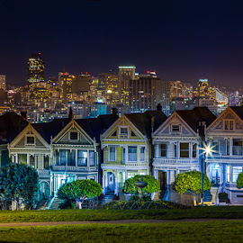 PAINTED LADIES OF SAN FRANCISCO by Julio Gonzalez - Buildings & Architecture Homes ( city, night )