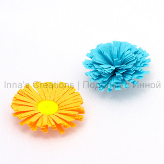 Fringed flowers (quilling)