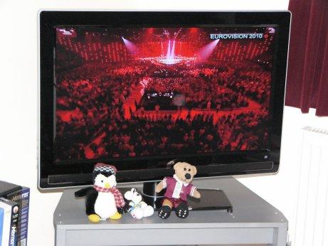 http://lh6.ggpht.com/_7ODftPSZPsY/TAgjQhG_Q1I/AAAAAAAABFM/jh7vhycbzM0/eurovision1.jpg