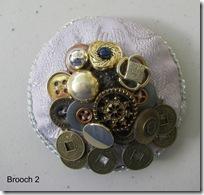 brooch2
