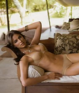 t v female nude stars