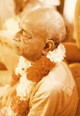 (Photograph of Śrī Śrīmad Bhaktivedānta Svāmī Mahārāja)