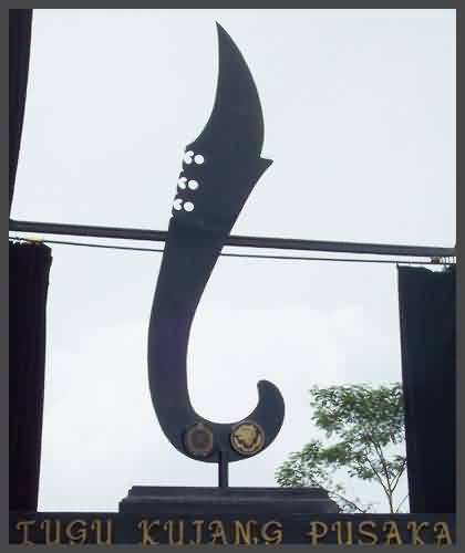 the kujang monument