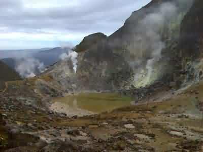 sibayak crater