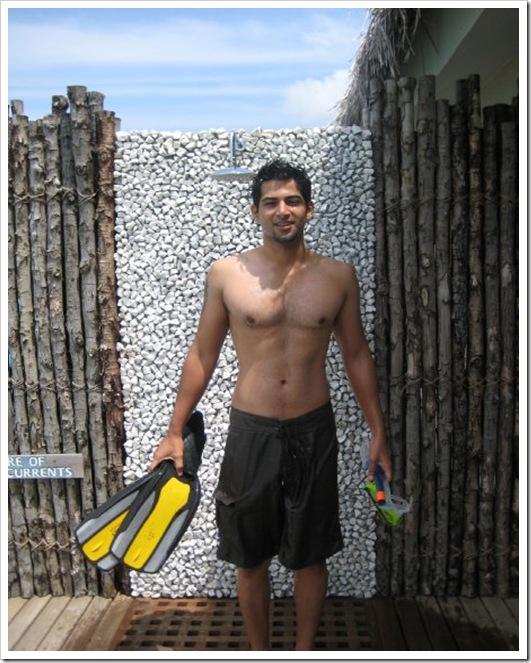 Vivan Bhatena shirtless