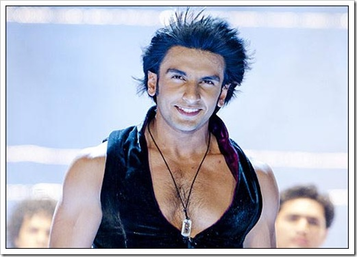 Ranveer Singh_shirtless.pics 024