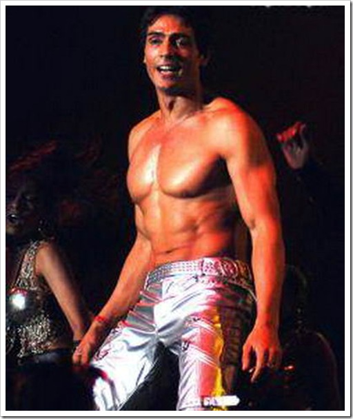 Arjun Rampal shirtless pics