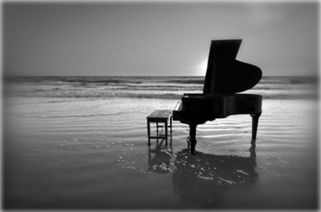 piano-on-beach2