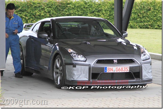 01-2011-nissan-gt-r-facelift-june-kgp