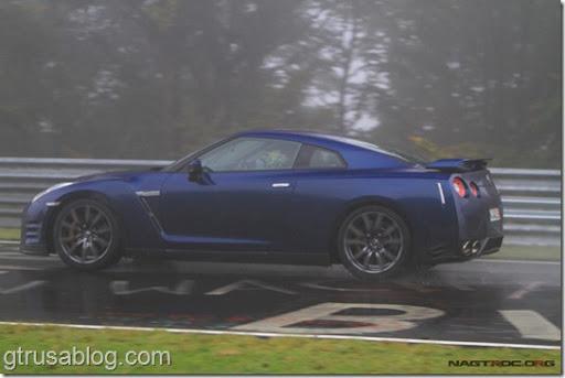 2012_Nissan_gtr_blue2. 2012_nissan_gtr_black