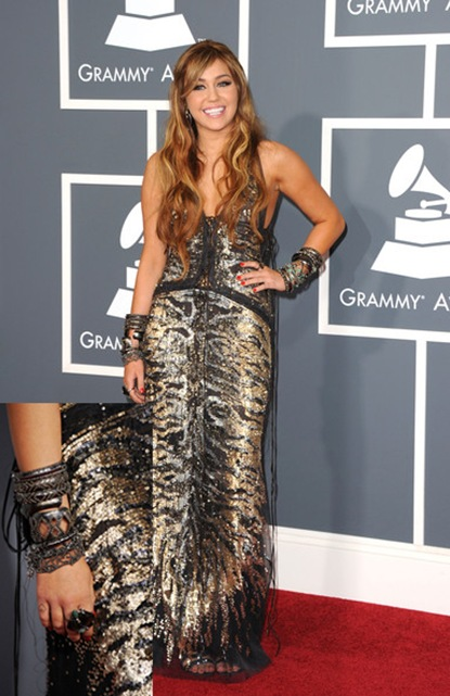 Miley Cyrus look at Grammy 2011