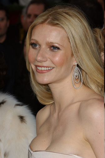 Oscar Jewelry - Gwyneth Paltrow