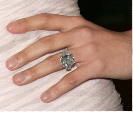 Jennifer Lopez blue diamond ring