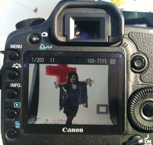 Demi Filma Anuncio para Latinos USA Demi-shoot-latinos-BDLT-1