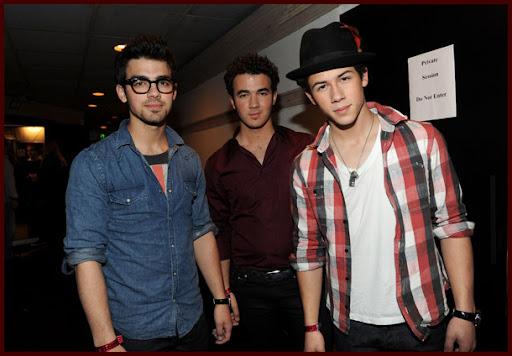 Jonas Brothers: Candids&Noticias [CLOSED] - Página 5 Wearetheworld002