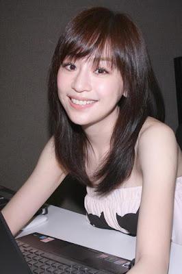 Taiwan Singer: Cyndi Wang Xin Ling