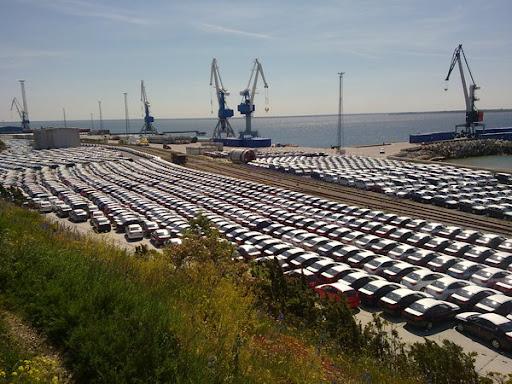 Paldiski Põhjasadama autoterminali parklas