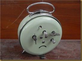 Jam Weker Bundar - belakang
