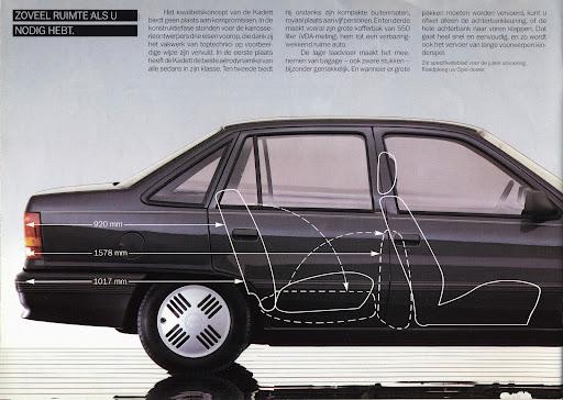 opel_kadett_sedan_1985_06.jpg
