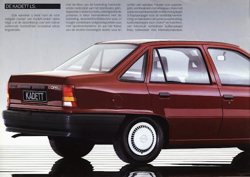 opel_kadett_sedan_1985_012.jpg