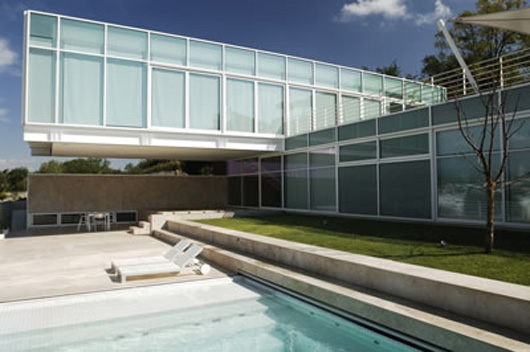 Glass House Design Outdoor Swiming Pool