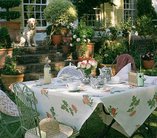 Outdoor Patio Table Decorating Ideas-lh6.ggpht.com