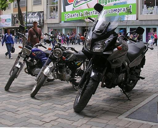 Motos estacionadas en el Bulevar Sabana Grande
