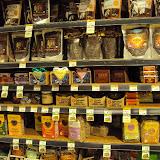 Raw Cocoa and Raw Food Snacks at Whole Foods San Francisco. Το μαγαζί που περνάω ατέλειωτες ώρες κάθε φορά που έρχομαι Αμερική.