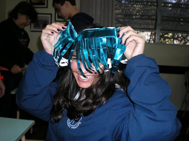 2010 – Preparação Material Teatro do Folclore – 9°Ano
