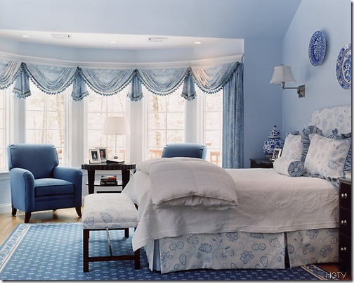sue-adams-blue-bedroom_hgtv
