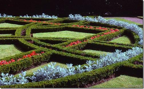 Knot_garden_St_Fagans wikipedia