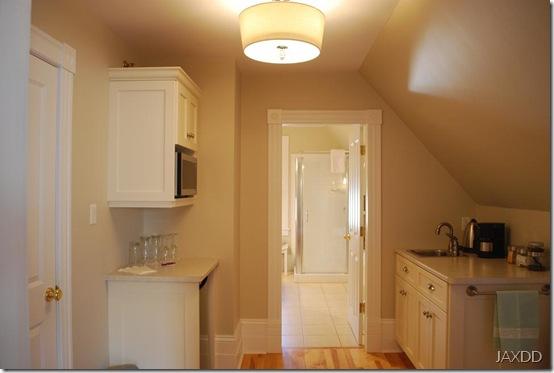 Room 4 kitchenette RS