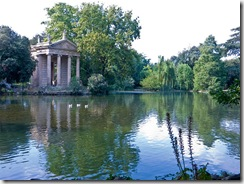 800px-Rome-VillaBorghese-TempleEsculape