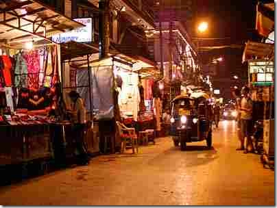 chiangmai-night-bazaar (1)