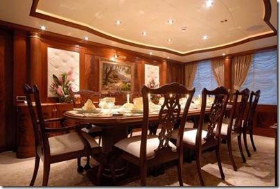 Os  interiores de luxuosos iates 20