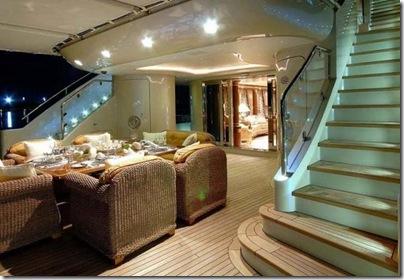 Os  interiores de luxuosos iates 18