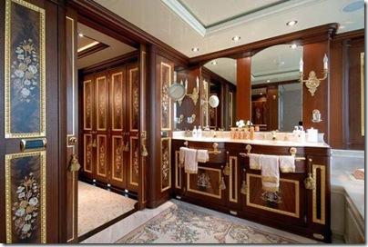 Os  interiores de luxuosos iates 16