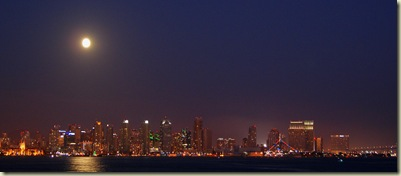 San Diego Downtown et la lune