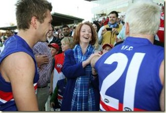 480567-julia-gillard-cheers-on-the-western-bulldogs
