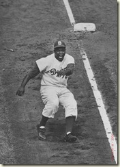 morse_ralph_jackie_robinson_rounds_third_subway_series_1955_L
