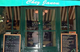 Photographs taken by Hélène Loiré: http://aparisouailleurs.canalblog.com/