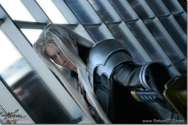 Sephiroth_Cosplay_by_Lillyxandra