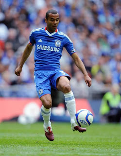 Ashley Cole playing for Chelsea in the 2010 FA cup final