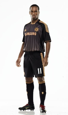Drogba wearing new chelsea away kit