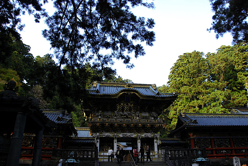 Another view of Yomeimon Gate