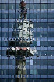 Donauturm_gespiegelt_IMG_ausgerichtet_3966_filtered_(c)_Bernhard_Plank.jpg