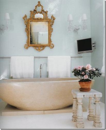 Vicente Wolf bath