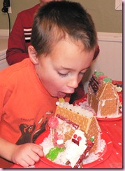 Gingerbread house 6